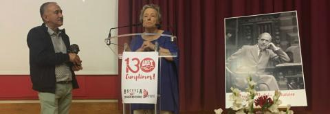 Pepe Alvarez entrega el premio a Maria Galiana